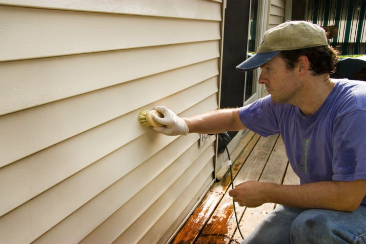 Exterior Paint Care: 7 Things to Look for and Address for Lasting Results