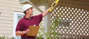 hiring-Siding-Contractor-warning-signs